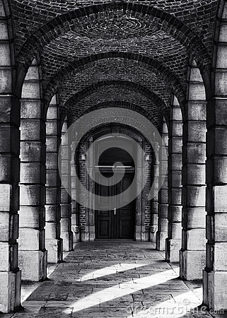 Free Corridor With Columns In Black And White Selenium Photo, Abstract Architectural Photo, Black And White Photo, Architecture Details Stock Photo - 69931490