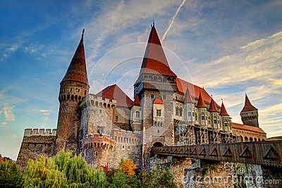 Corvinesti Castle, Romania