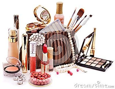 Cosméticos decorativos para el maquillaje.