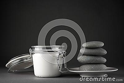 Cosmetic cream and stones