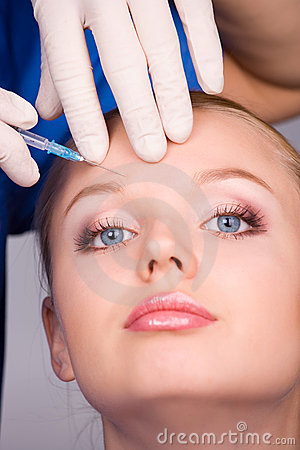 Free Cosmetic Injection Of Botox Stock Images - 17505504