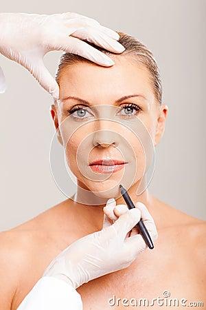 Cosmetic surgeon marking