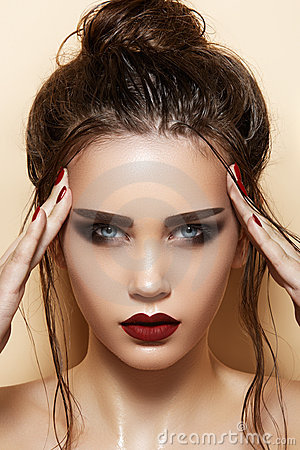 Free Cosmetics & Make-up. Sexy Model With Fashion Hair Stock Photo - 22277880