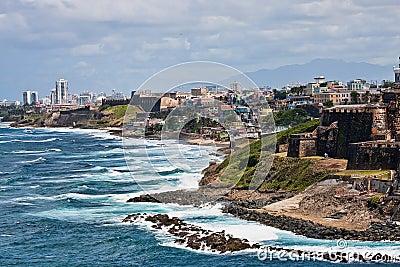 Costa rocosa de Puerto Rico