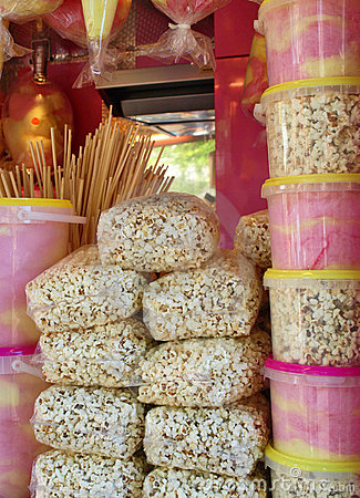 Coton candy and popcorn