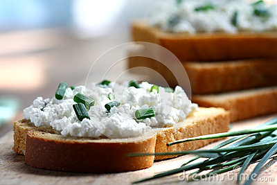 Cottage cheese and chives