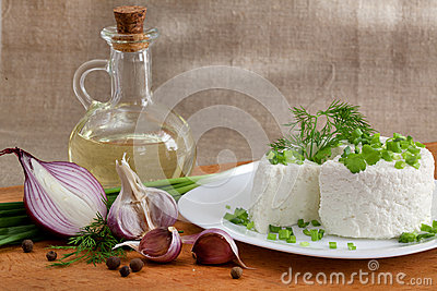 Cottage cheese with greens