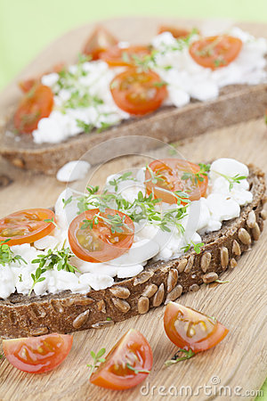 Free Cottage Cheese Snacks Royalty Free Stock Photography - 30962077