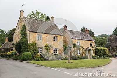 Cottage inglesi fotografia stock immagine 57720198 for Planimetrie inglesi del cottage