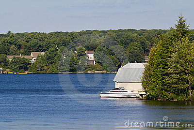 Cottages on Lake Muskoka