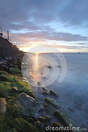 Coucher du soleil au-dessus de compartiment de Dublin