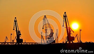 Coucher du soleil dans le port