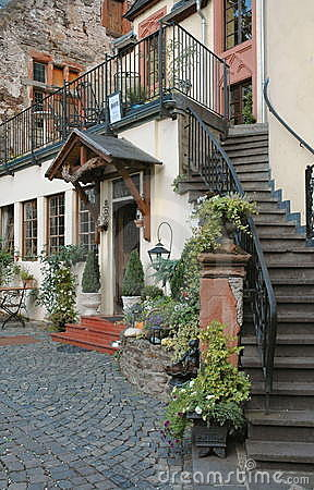 Free Country Inn Located In The Mosel Wine Region Of Germany Stock Photo - 281300