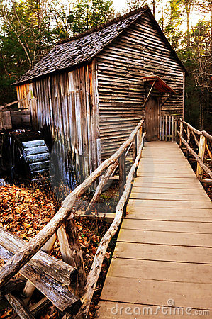 Free Country Rustic Mill Waterwheel Stock Photos - 7636783