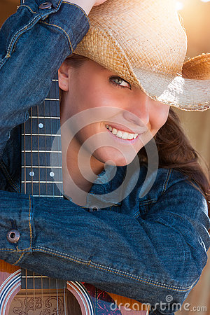Free Country Woman Holding Guitar Stock Photography - 77408442