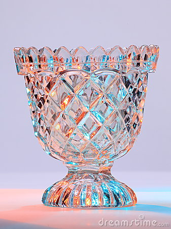 Coupez le bol en verre