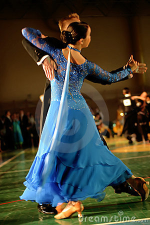 Free Couple Dancing On Classic Dance Competition Royalty Free Stock Images - 3042279