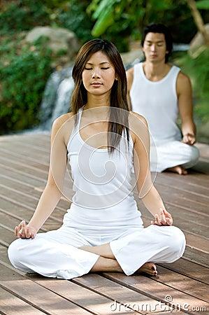 Free Couple Doing Yoga Royalty Free Stock Image - 5086756