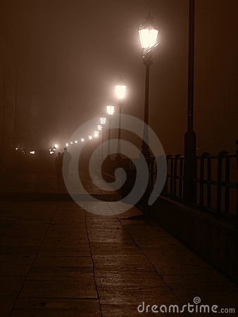 Couple at foggy night