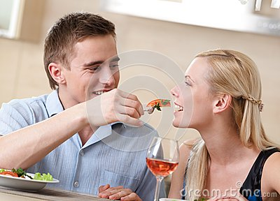 Couple has romantic supper