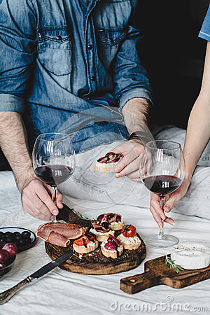 Free Couple Having Dinner With Wine Royalty Free Stock Images - 82269879