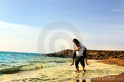 Couple honeymoon at beach
