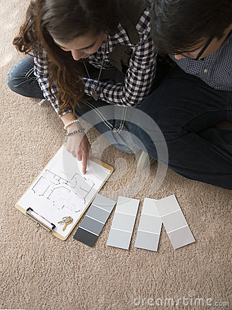 Free Couple Inside New Home Stock Photo - 66636060