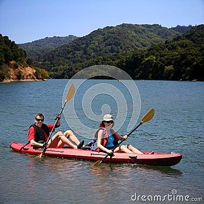 Free Couple Kayaking Stock Images - 9528344