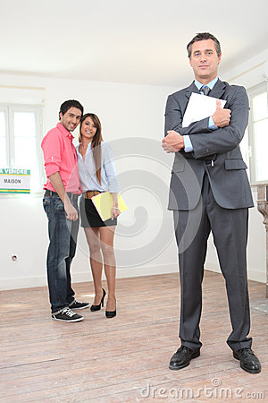 Couple looking to buy a house