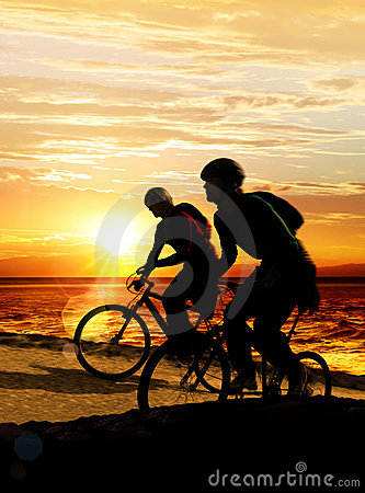 Free Couple On Bicycles Stock Photo - 19556650