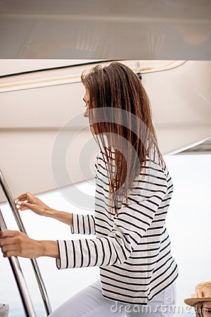 Free Couple On The Luxury Yacht Stock Photography - 121540692