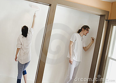 Couple painting room_1