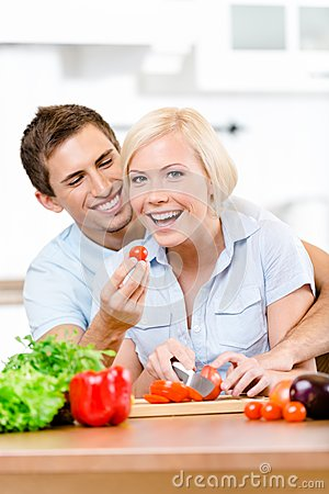 Couple preparing breakfast