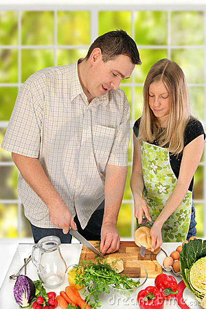 Free Couple Preparing Food Royalty Free Stock Photography - 1768147
