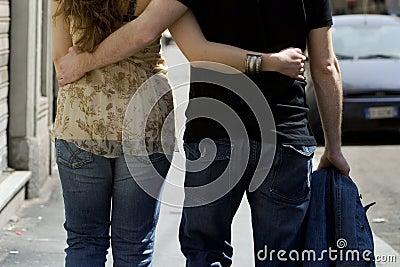 Couple-walking-02