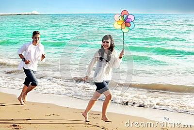 Couples asiatiques heureux