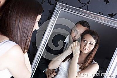 Couples de mariage devant le miroir image libre de droits for Derniere volonte devant le miroir