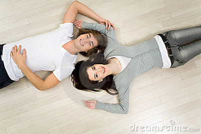 Couples se trouvant sur l étage