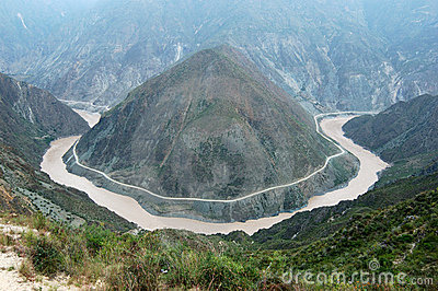 Courbure de fleuve de Jinshajiang