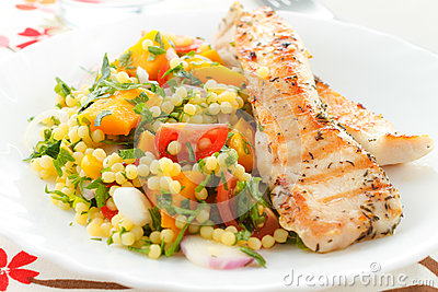 Couscous with grilled chicken