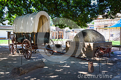 Covered Wagon Exhibit - Sutter`s Fort - Sacramento, CA Stock Photo