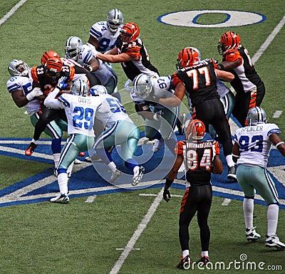 Free Cowboys Tackle Bengals Stock Photo - 7341240