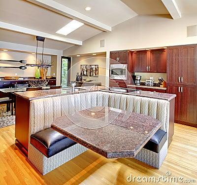 Cozinha de mogno luxuosa com mob lia moderna fotografia for Mobilia cuisine