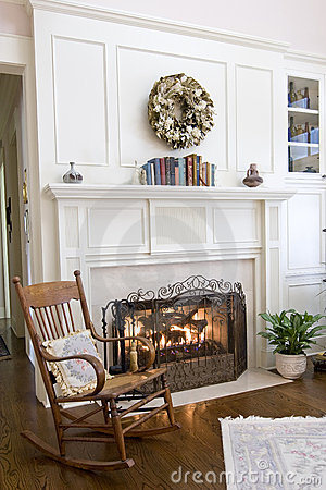 Free Cozy Fireplace Royalty Free Stock Photo - 6175675