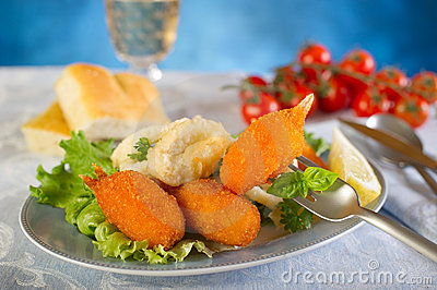 Crab claws with salad