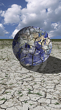 Free Cracked Earth Royalty Free Stock Image - 15991476