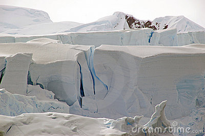 Cracking Antarctic glacier