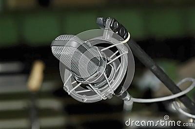 Cradle microphone