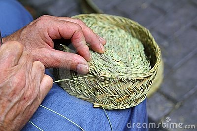 Craftsman sewing basket esparto grass weaver