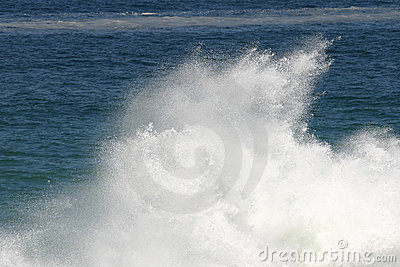 Crahing wave